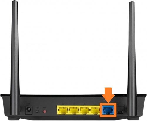 Порт internet на задней панели роутера