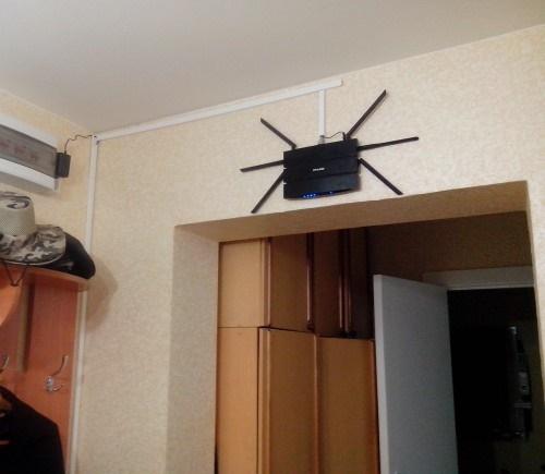 Положение роутера на стене в квартире