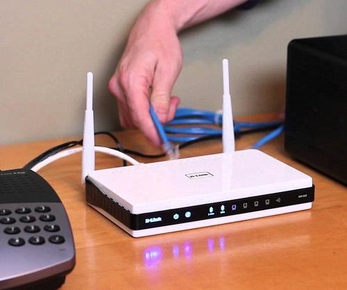 Соединение кабеля LAN с маршрутизатором D-Link