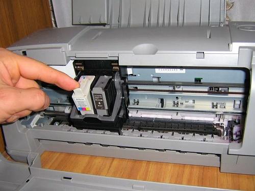 Проверка состояния печатающих головок в принтере